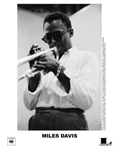 Miles_davis_-_box_-_bw1_depth1