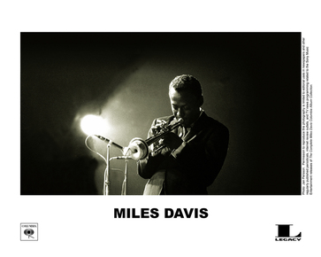 Miles_davis_-_box_-_bw2_depth1