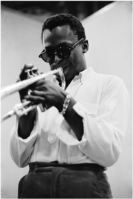 Miles_davis_-_box_-_bw1cropped_depth1