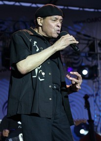 Al_jarreau_-_west_oak_lane_jazz_fest_6-19-10-14_depth1