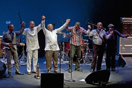 Hugh_masekela_touring_band_2010__dsc0177_depth1