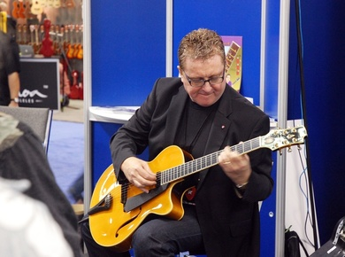 Martintaylor_namm_2011_depth1