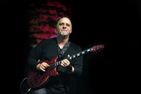 07_20rtf_20-_20frank_20gambale_20_photo_20by_20martin_20philbey__20110503_100345_span9