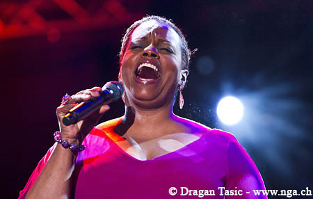 Dianne_reeves17271_depth1