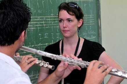 Erica_teachingflutecuba2011_depth1