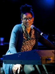 Rachelle Ferrell: Capturing the Moment
