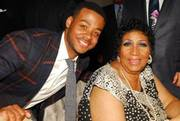 Kris_bowers_and_aretha_franklin_span3