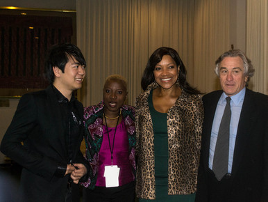Lang_lang__angelique_kidjo__robert_de_niro_s_wife_grace__robert_de_niro_1__backstage_at_the_un__international_jazz_day__nyc__4-30-12_depth1