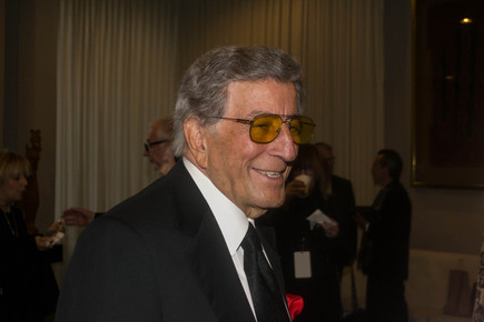 Tony_bennett_3__backstage_at_the_un__international_jazz_day__nyc__4-30-12_depth1