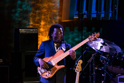 Richard_bona_onstage_1__international_jazz_day__un__nyc__4-30-12__depth1