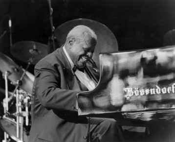 Oscar_peterson_kf_depth1