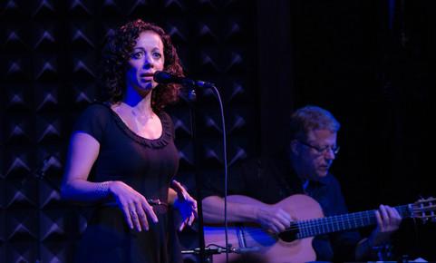 http://jazztimes.com/images/content/articles/0011/2047/Luciana_Souza__Romero_Lubambo_2__Joe_s_Pub__NYC_9-12_depth1.jpg?1347574131