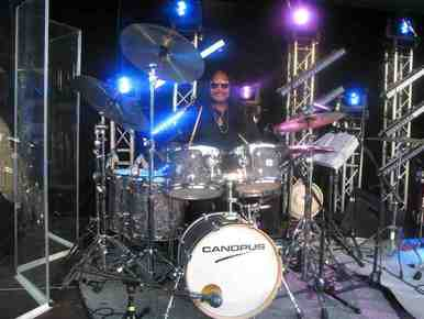 Alphonse_mouzon_on_canopus_drums_7-20-2010-_stuttgart__germany_img_7977_depth1