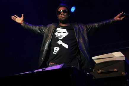 Robert_glasper_depth1