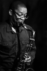 2054_ravi_coltrane_sax_sm_depth1