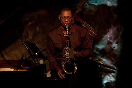 9797_ravi_coltrane_sax_sm_depth1
