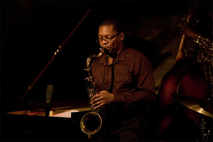 9856_ravi_coltrane_sax_sm_depth1