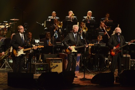 Crosby_stills___nash__the_jazz_at_lincoln_center_orchestra_with_wynton_marsalis_perform_at_jalc_gala_photo_by_frank_stewart_for_jazz_at_lincoln_center_depth1