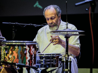 Milford_graves_by_peter_gannushkin_depth1