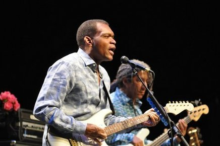 Robert_cray_barbican_london_6th_may_2014_033_depth1