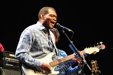 Robert_cray_barbican_london_6th_may_2014_076_depth1
