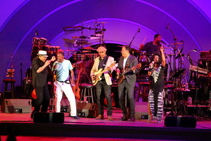 Al_jarreau__ndugu_chancler__byron_miller__stanley_clark__john__22lil_john_22_roberts_and_josie_james__depth1