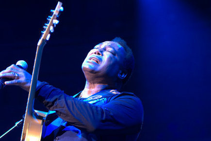 George_benson-royal_albert_hall_-25th_june_2014_106_depth1