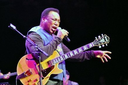 George_benson-royal_albert_hall_-25th_june_2014_183_depth1