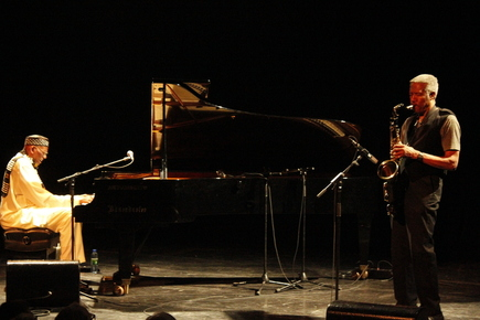 Weston-harper_montreal_jazzfest_2014_sharonne_cohen_depth1