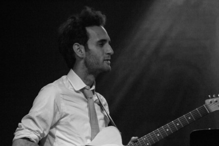 Julian_lage_b_w__highline_ballroom__9-14_depth1