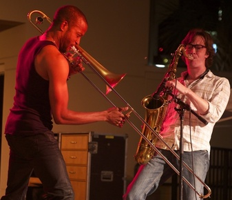 Trombone_shorty__5__depth1