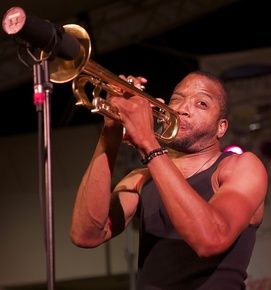 Trombone_shorty__6__depth1