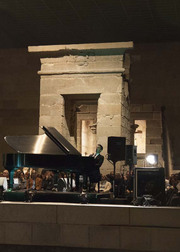 Vijay_iyer_trio_at_the_temple_of_dendur_in_the_sackler_wing_1__c_anja_hitzenberger_span3