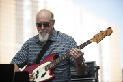 Johnscofield_on_bassguitar_span3
