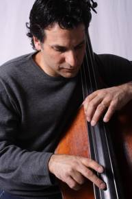 Three great jazz string players are joining forces for a special trio performance at the Blue Note in New York City this week. Violinist Mark O'Connor, guitarist Julian Lage and bassist John Patitucci will perform on Thursday, January 7 through Saturday, January 9, 2010. This is the first time that these three musicians have performed […]