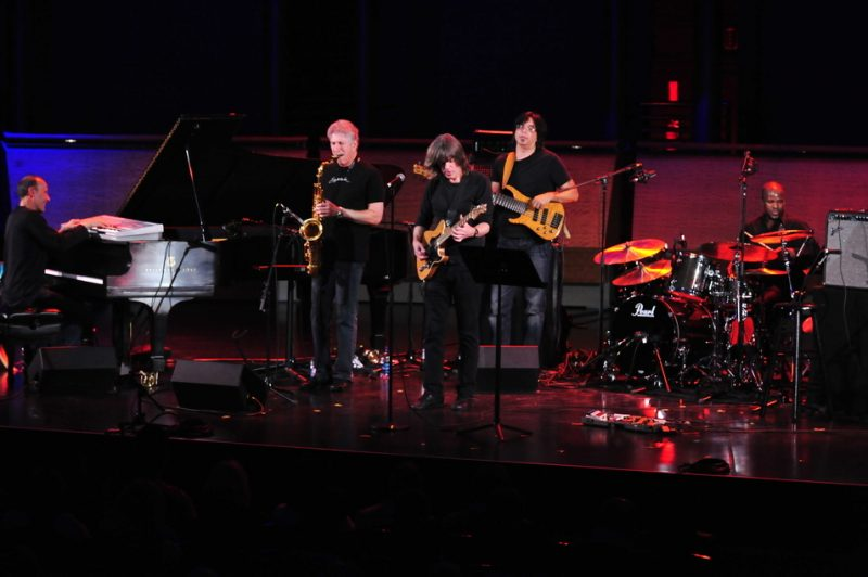 Yellowjackets performing with Mike Stern at Jazz at Lincoln Center