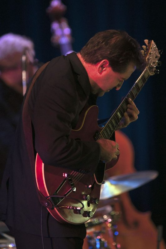 John McLean performing with Kurt Elling at Montgomery County Community College