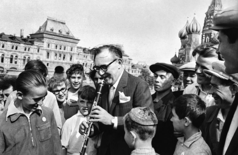 Benny Goodman performs for a young audience in Red Square (Moscow, Soviet Union, 1962).