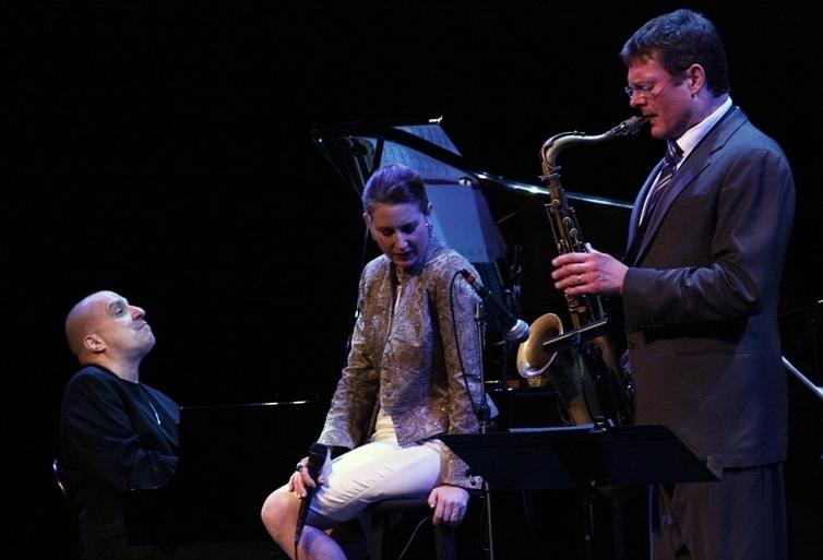 Alexis Cole with pianist John di Martino and saxophonist Eric Alexander, Sarasota (Florida) Jazz Festival 2014
