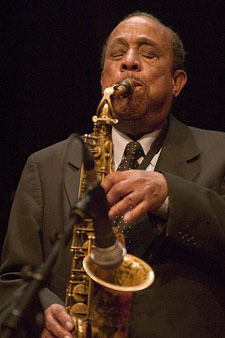 The Detroit Jazz Festival, taking place over Labor Day weekend (Aug. 29-Sept. 1), has announced the lineup for its2014 edition, the festival's 35th. The free festival will feature Joshua Redman as its Artist-in-Residence. The list, in alphabetical order, follows: A Night at the Apollo Theatre featuring Ted Louis Levy, Margot B, Kevin Mahogany, the David […]