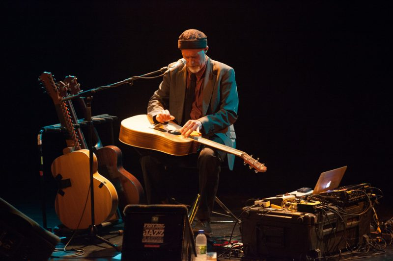 Harry Manx at the 2014 Montreal Jazz Festival