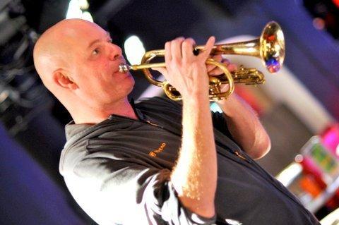 Damon Brown performing at London's Pizza Express - Soho