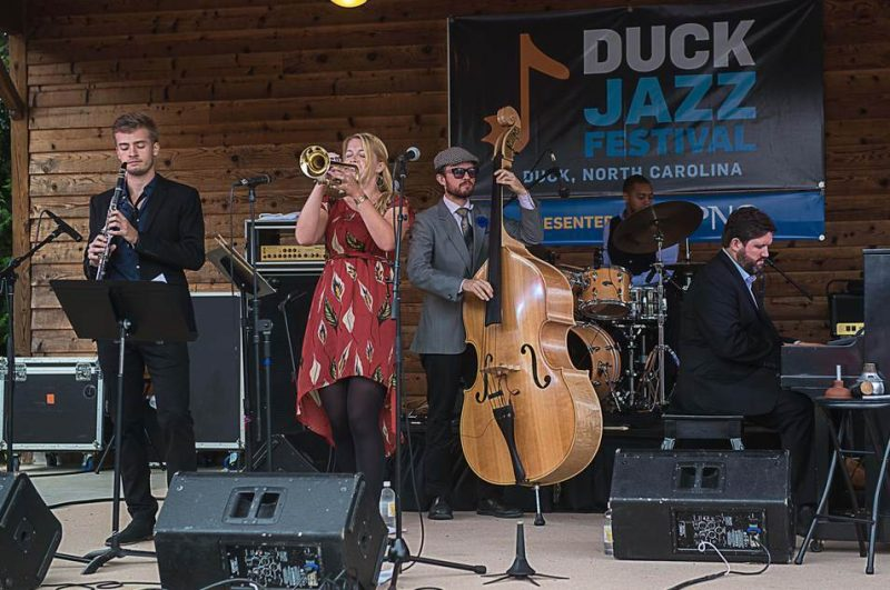 Bria Skonberg Quintet, Duck Jazz Festival 2015. l. to r.: Evan Arntzen (clarinet), Skonberg, Sean Cronin (bass), Darrian Douglas (drums) and Dalton Ridenhour (piano)