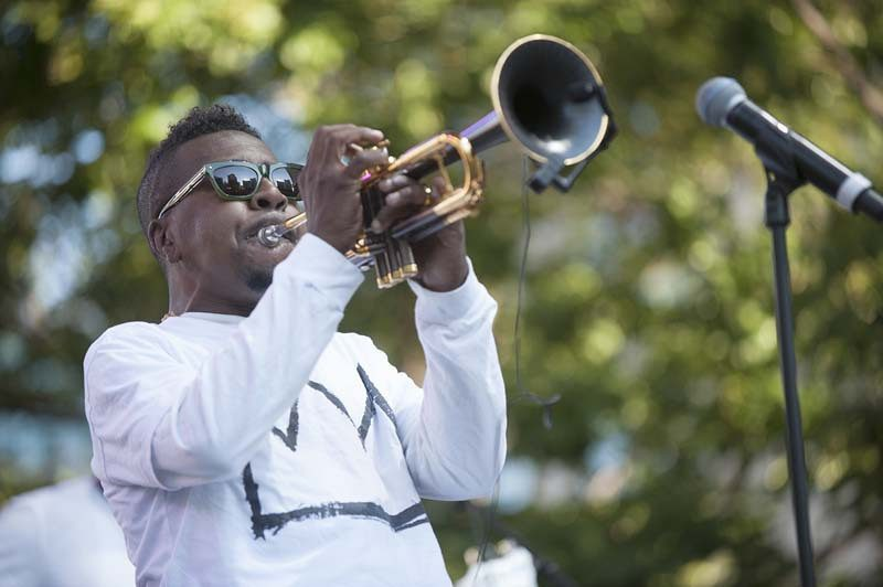 Roy Hargrove brings the funk with his RH Factor