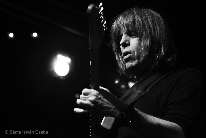 Mike Stern performing with the Stern & Dave Weckl Band at the Blue Note Milano in Italy