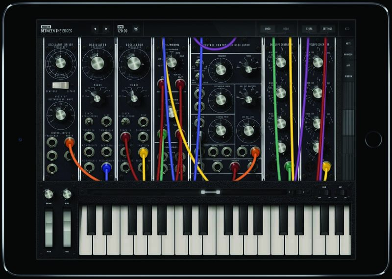 Moog Model 15 Synthesizer App